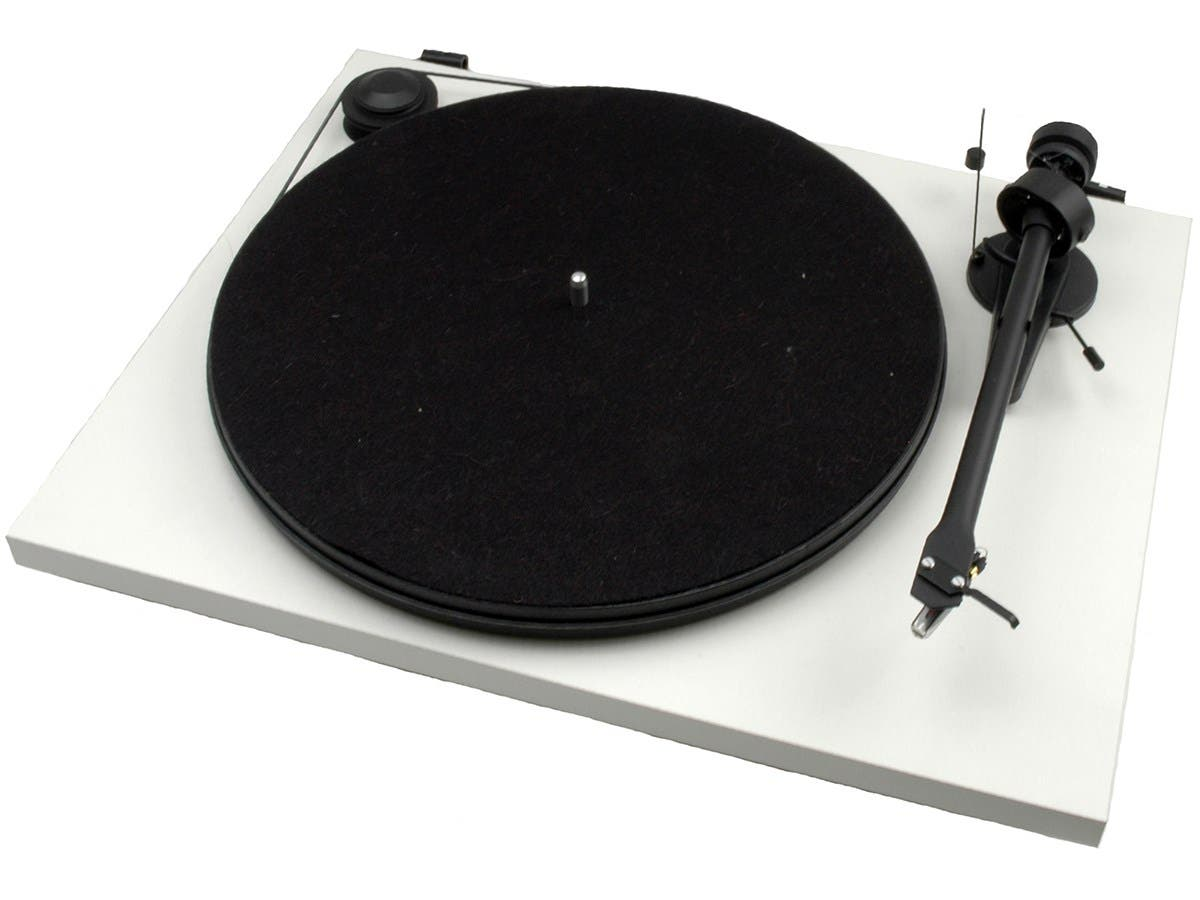 Pro-Ject Essential II White USB Turntable with Ortofon OM 5E Cartridge