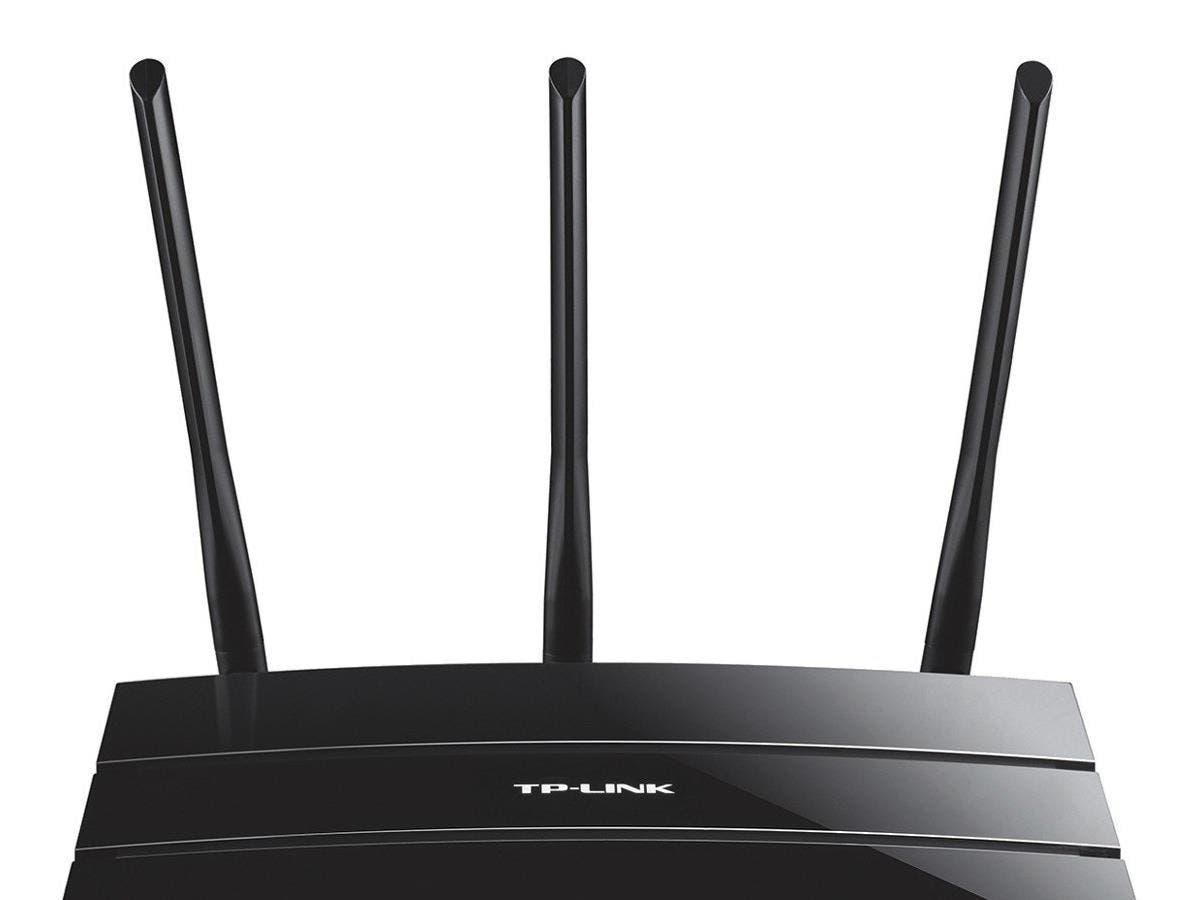 TP-LINK Archer C1200 IEEE 802.11ac Ethernet Wireless Router - 2.40 GHz ISM Band - 5 GHz UNII Band - 3 x Antenna(3 x External) - 1200 Mbit/s Wireless Speed - 4 x Network Port - 1 x Broadband Port - USB-Large-Image-1