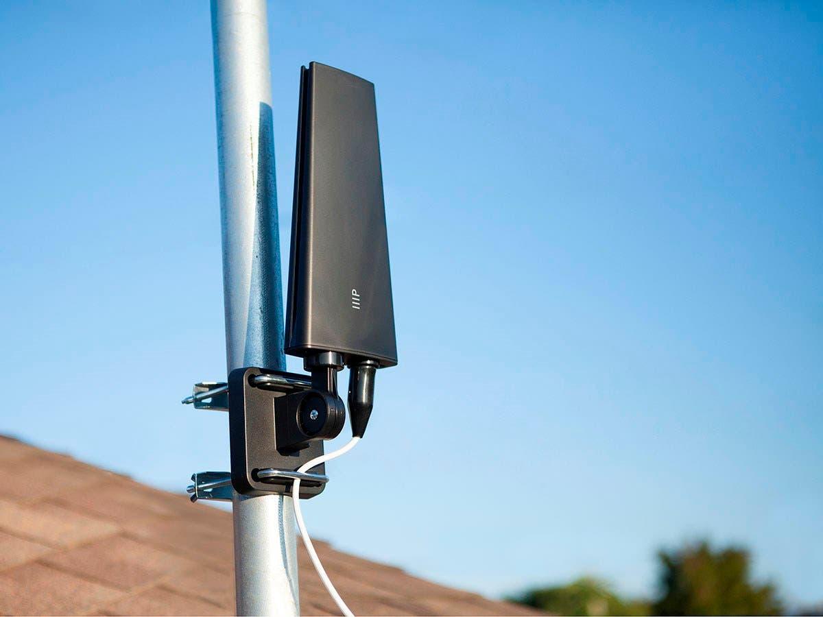 Monoprice Digital HD7 Outdoor HDTV Antenna, 65 mile range